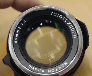 VENDU !! Voigtlander Nocton 40mm f1.4 + filtre+pare soleil Voigt4014b